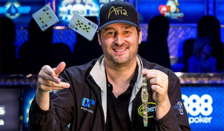 Phil Hellmuth wins yet another bracelet