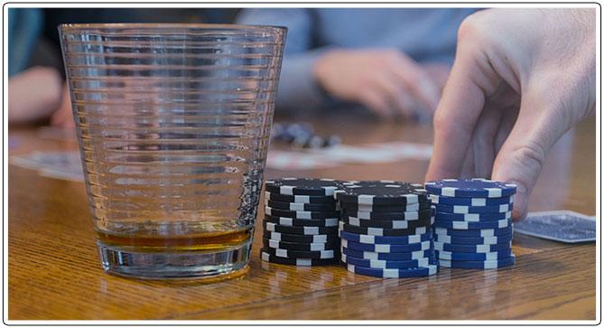 Gambar Poker India dan Kacamata Tembakan