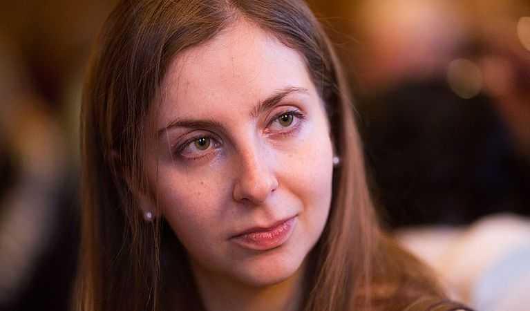 A picture of Ms. Konnikova