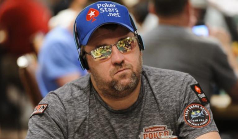 chris-moneymaker-wearing-pokerstars-cap-and-glasses